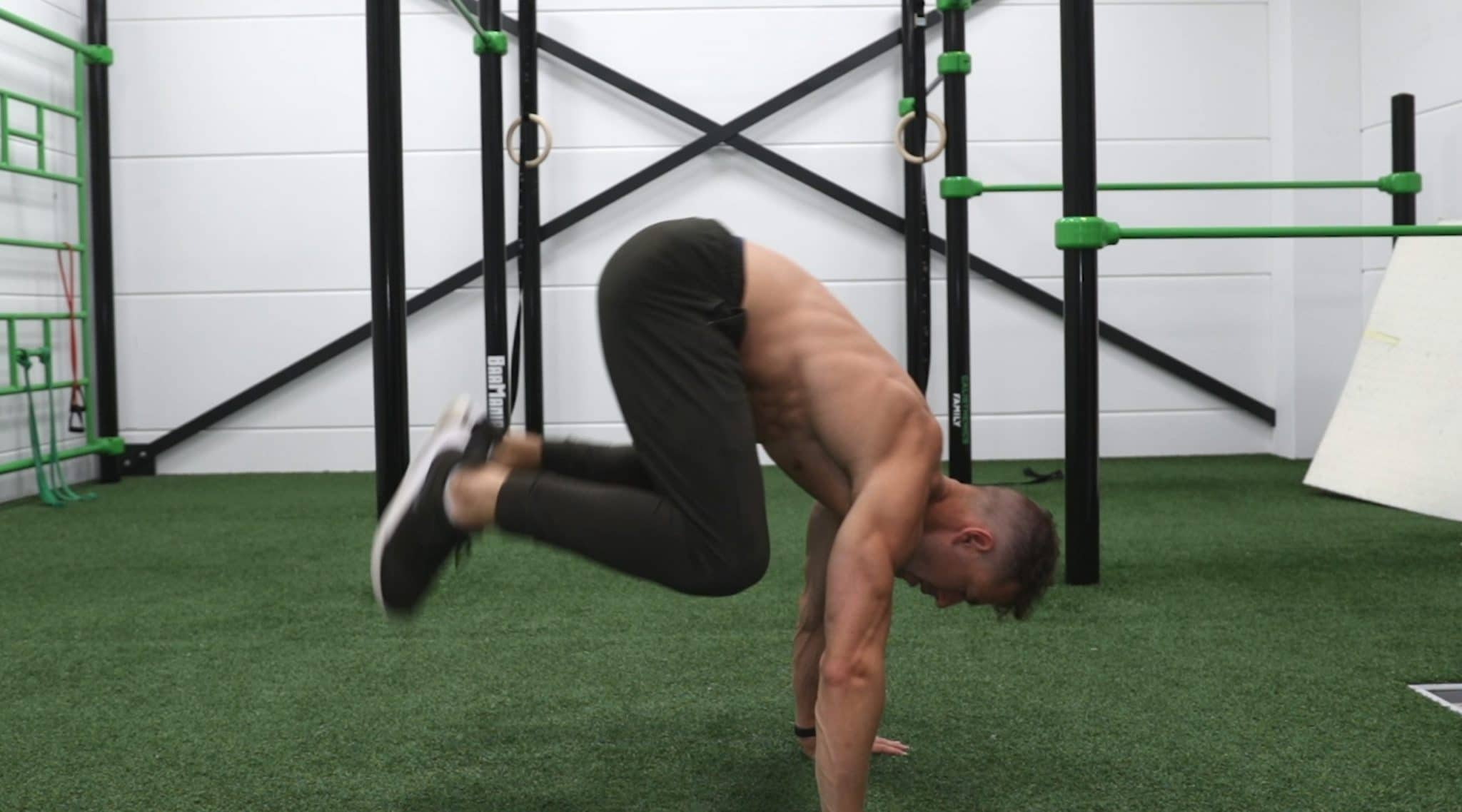 how to do frogstand to handstand 3